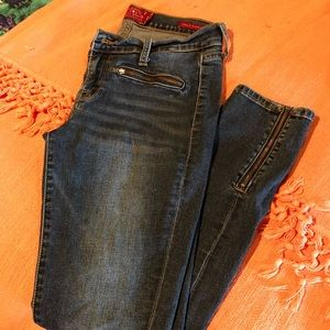 Lucky Brand Super Skinny Jeans Size 28